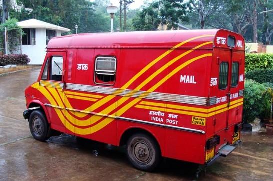 postal-van-204356_640